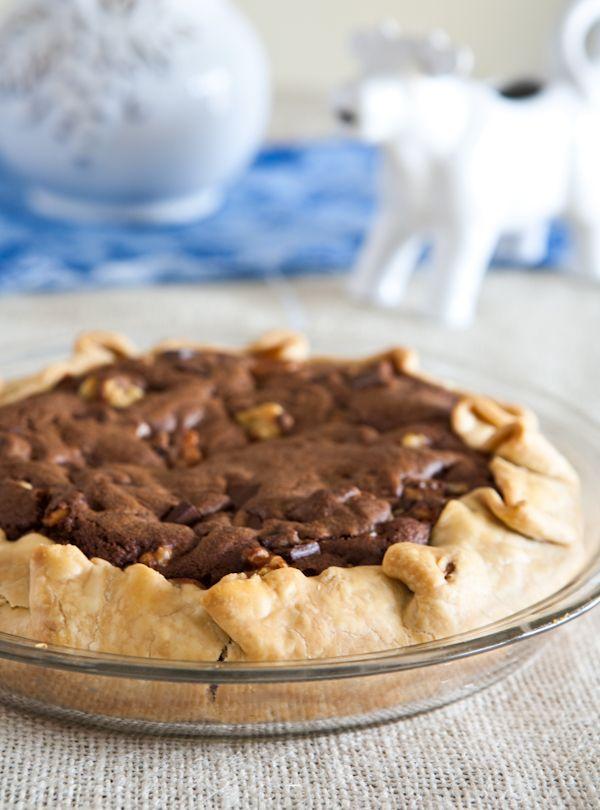 Chocolate Chunk Walnut Cookie Pie by EclecticRecipes.com #recipe