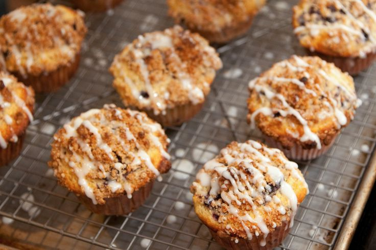 ... Lemon Blueberry Muffins with Streusel Topping and Lemon Glaze by Eat