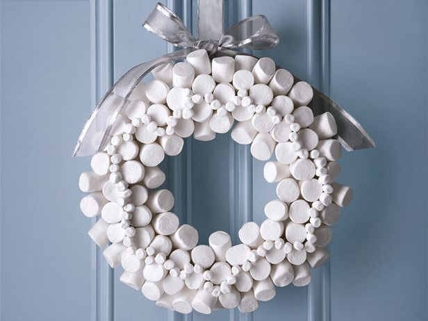 marshmallow wreath, tee hee