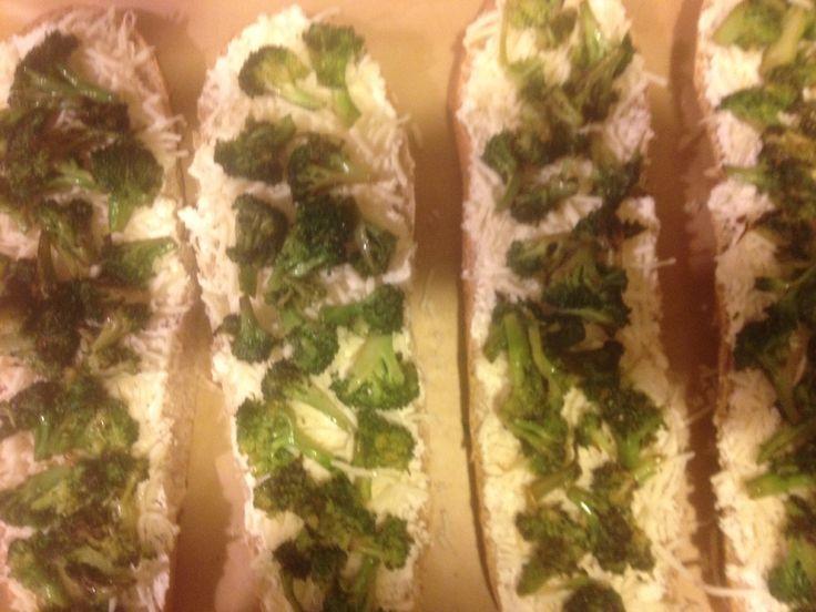 Bread Pizza Blanc w/sautéed broccoli. Sautéed broccoli florets ...