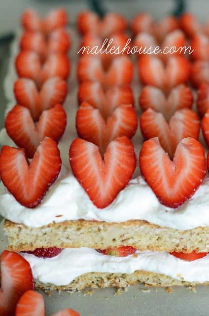 Strawberry and Cream Cake [Valentine's Day] #valentine #sweet #dessert
