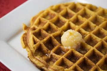 pumpkin waffles with apple cider syrup | I need to bake this. | Pinte ...