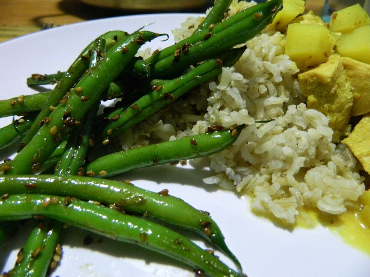 ... in a Foreign Land: Garlic Sesame Green Beans. These cook up so fast