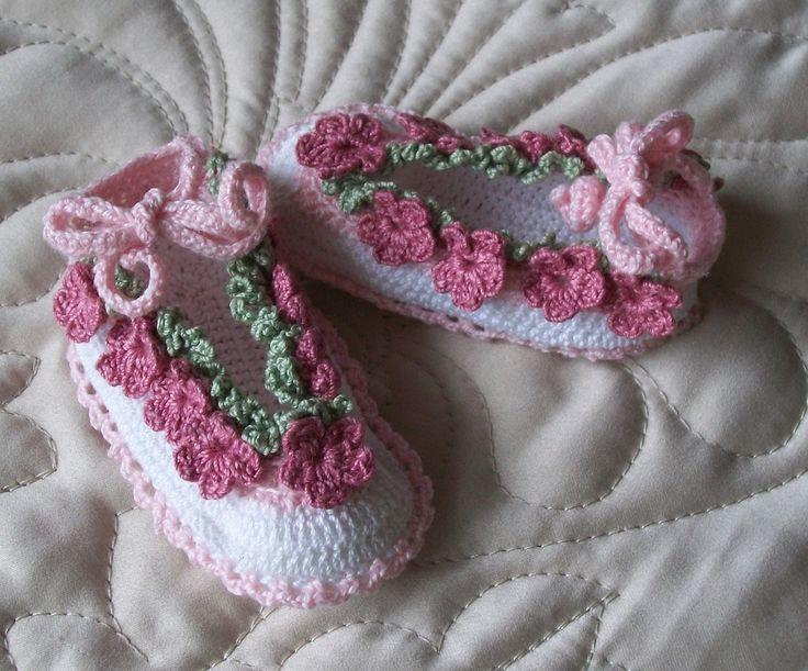 Newborn Crochet Baby Booties Pattern- Thread Crochet ...