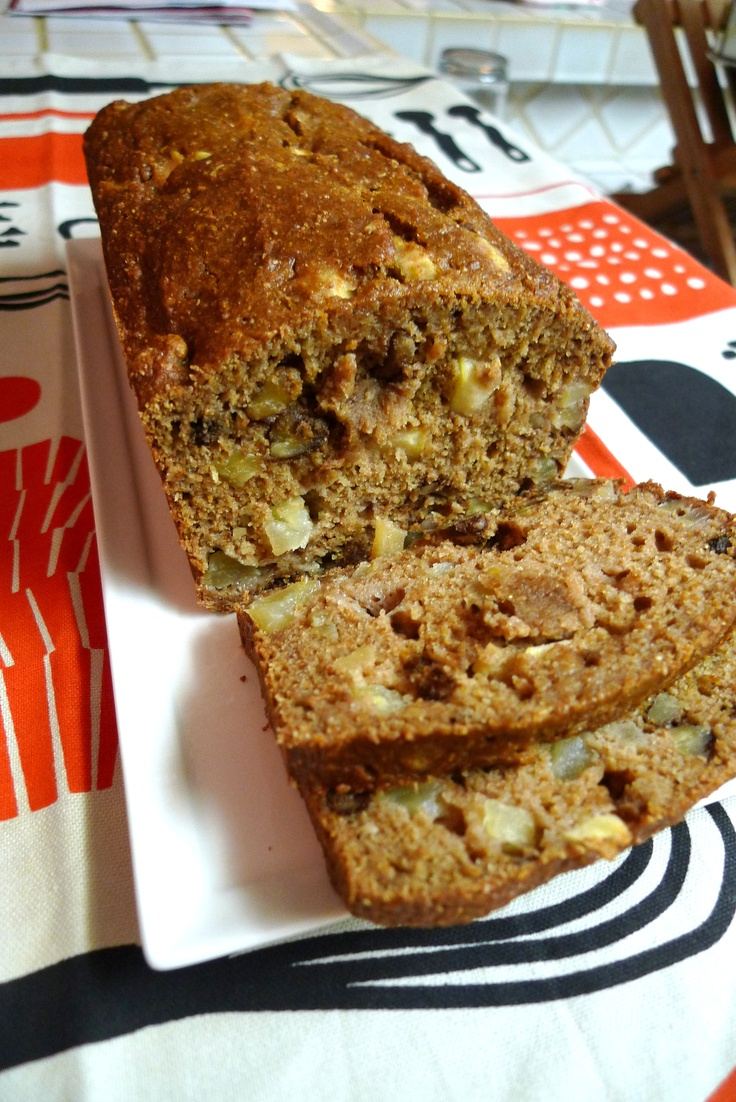 Applesauce Nut Bread | ungerhunger.com | Bread | Pinterest