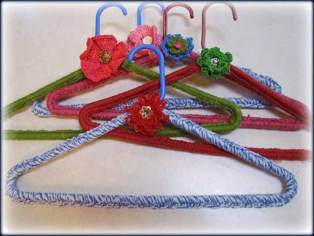 crocheted hangers Crochet Pinterest