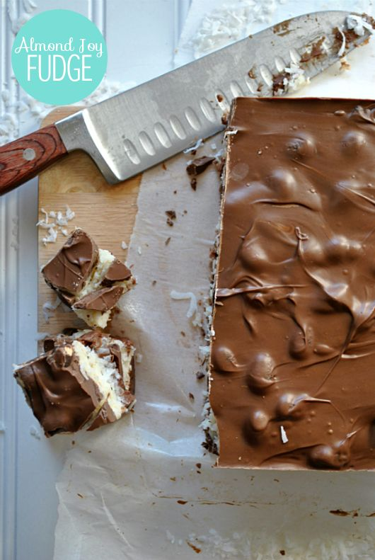 The only recipe you need this Christmas- ALMOND JOY FUDGE!!