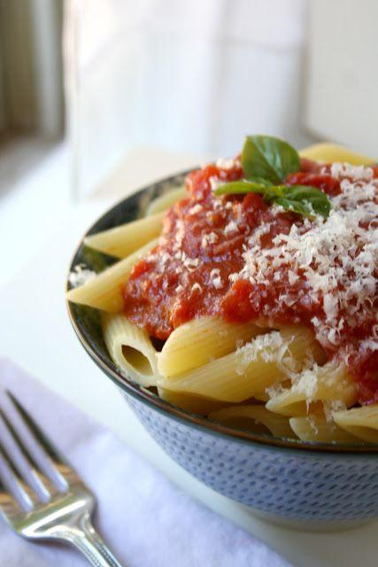Basic tomato sauce- authentic sunday sauce | the boot