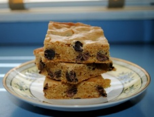 Chocolate Chip Cookie Cake Bars