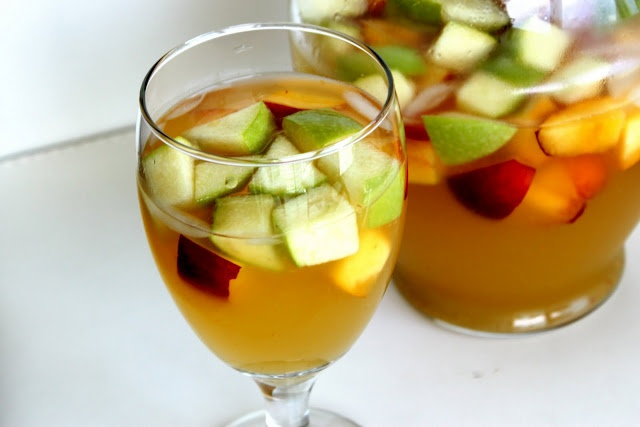 Peach sangria....I love this at Olive Garden..hope it comes out just ...