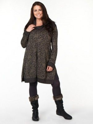 Moda | Designer Fashion and Plus Size Clothing For Women With Curves