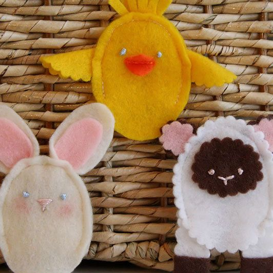 Lamb of God finger puppet for Easter craft (Sunday School); with two  springtime animals.