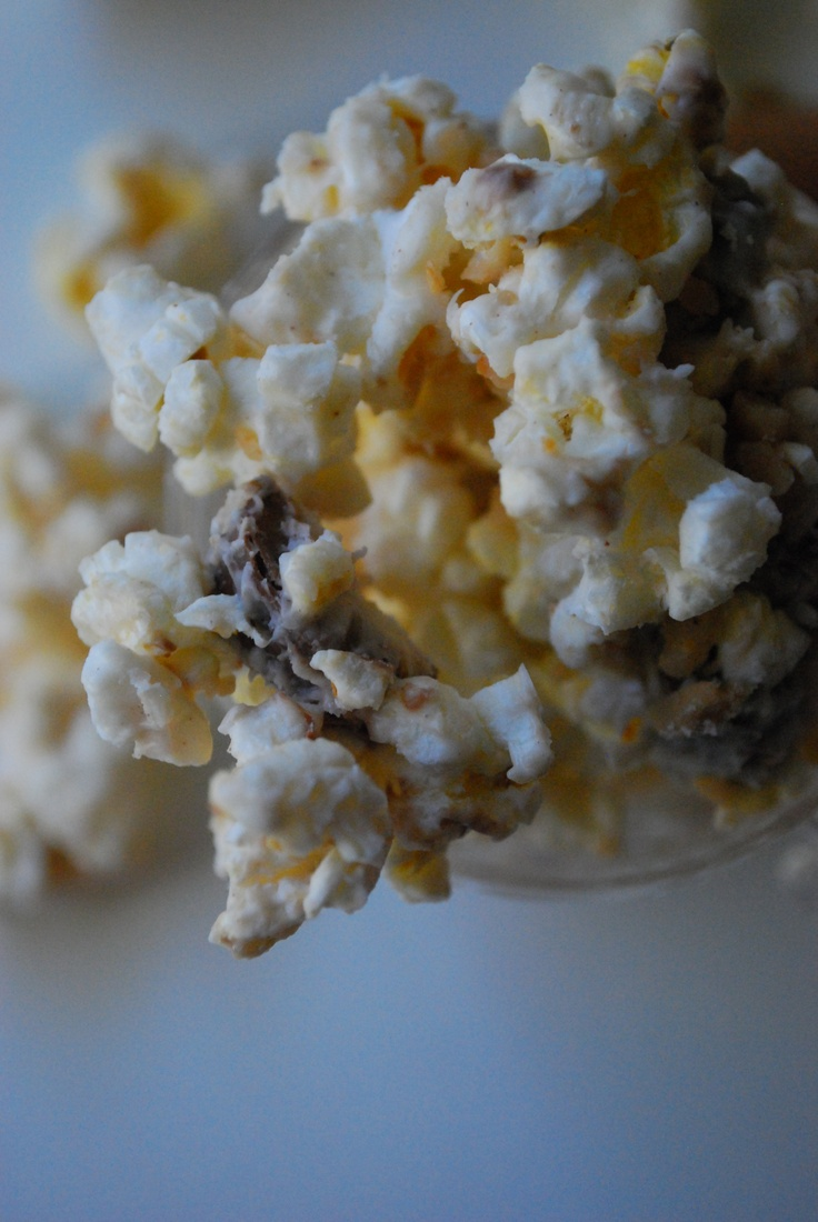Eggnog Toffee Twix Popcorn | food.....yumm!!! | Pinterest