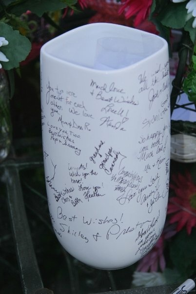 Sign A Vase To Put Wedding Flowers In Dream Wedding