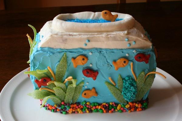 Fish tank cake cub cake pinterest for Fish tank cake designs