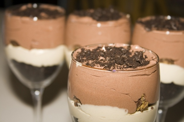 Chocolate Peanut Butter Cup Parfait...I must make this and eat all of ...