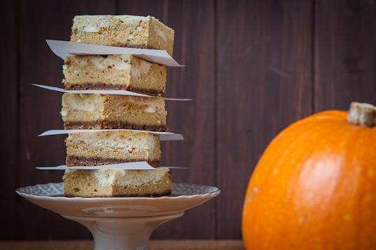 Pumpkin Pie Cheesecake Bars with White Chocolate Vanilla Bean Swirl ...