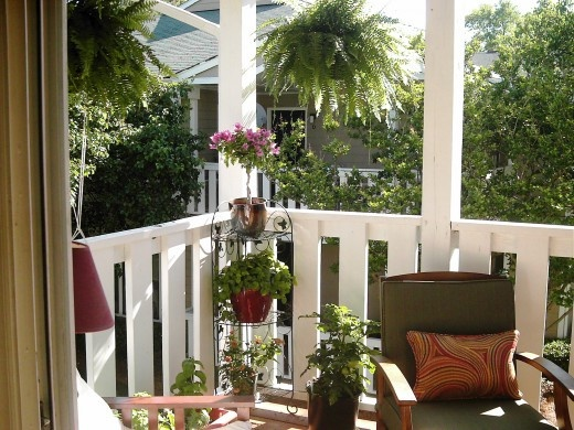 Decorating an apartment patio on a budget before and - Decorating an apartment patio ...