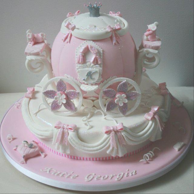 Cinderella Carriage Cake! Princess party ideas Pinterest
