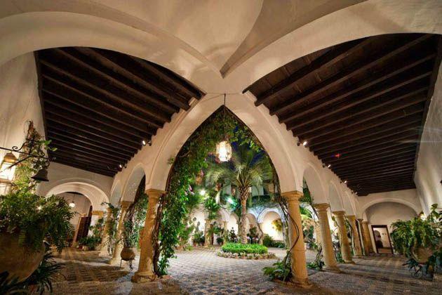 Patio principal del Palacio de Viana