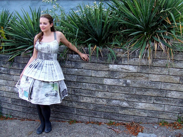 Newspaper Dress This Would Be Neat And Colorful Done With The Comics