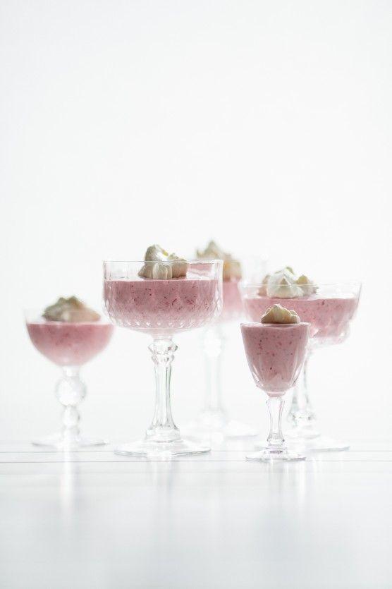 Roasted strawberry milkshake | -= Drinks =- | Pinterest
