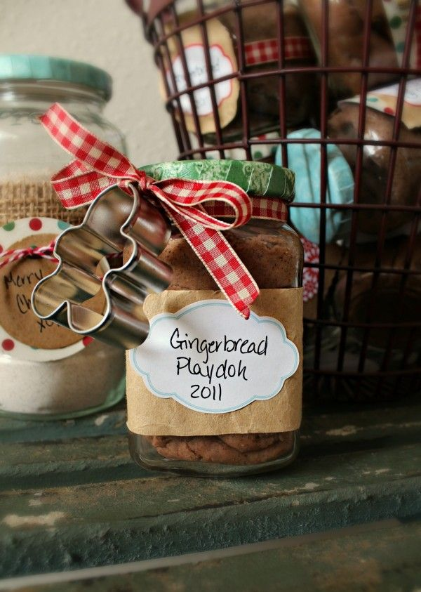gingerbread playdoh. super cute holiday gift for kids!