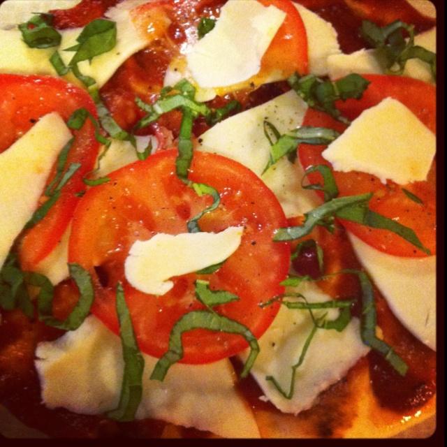 Fresh tomato, mozzarella and basil flat bread pizza! Yummy