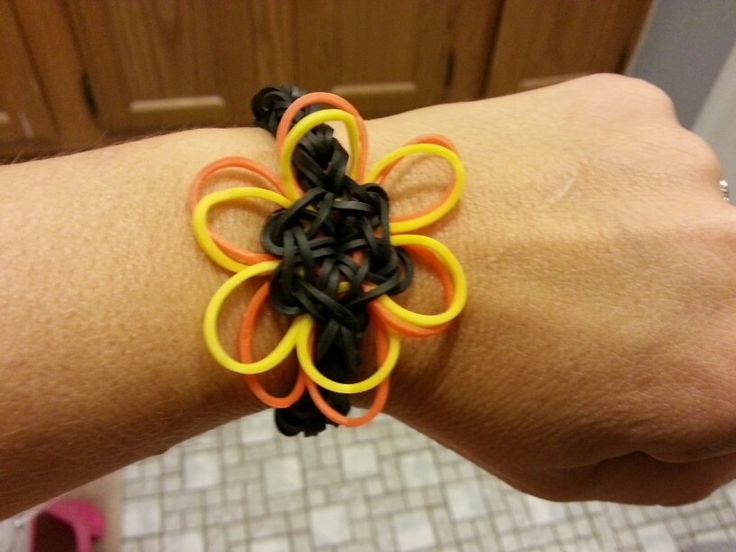 Fall mum flower- Rainbow Loom fun!
