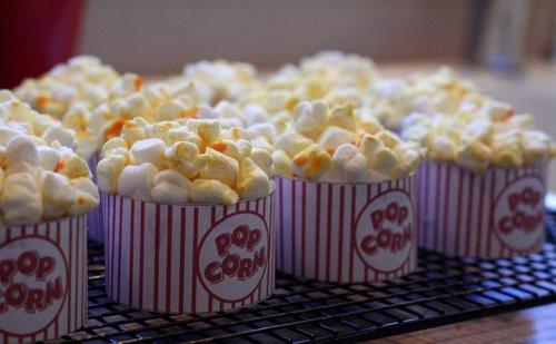 cupcakes that look like popcorn