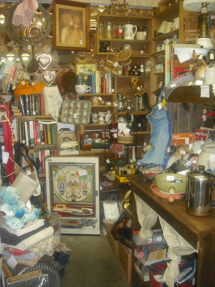 Pin by find texas antiques on junction antique mall for Antiques and collectibles for sale