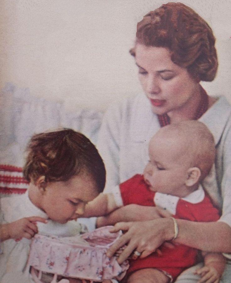Princess Grace and her small children, Princess Caroline ...