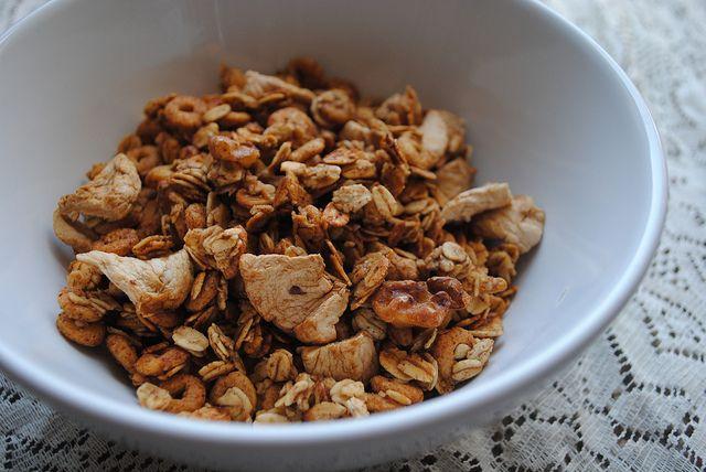 Apple Cinnamon Granola | Pamplemousse | Pinterest