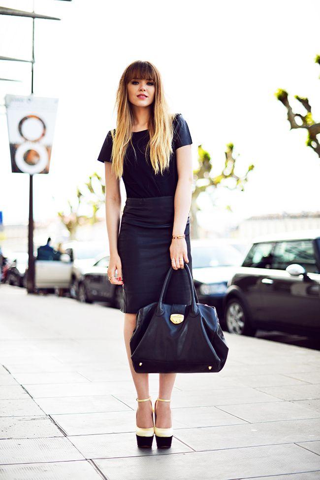 elegant and simple black on black, T-shirt & leather skirt