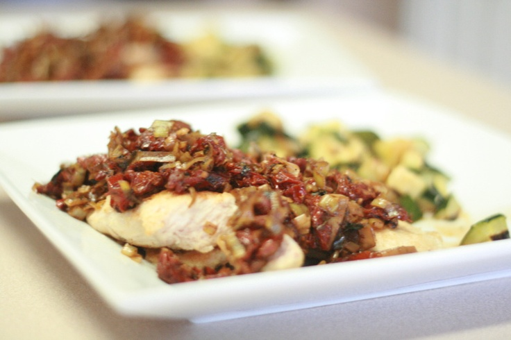 Chicken with Leeks and Sun-Dried Tomatoes in White Wine Sauce from ...