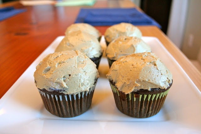 Spiced Gingerbread Cupcakes with Molasses Coffee Buttercream - Try ...