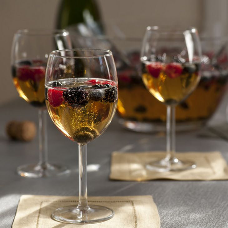 Sparkling Wine Sangria (Sangria de Cava) | Wedding stuff | Pinterest