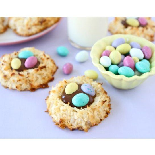 20 Easter Desserts: Coconut Macaroon Nests with a Nutella center and ...