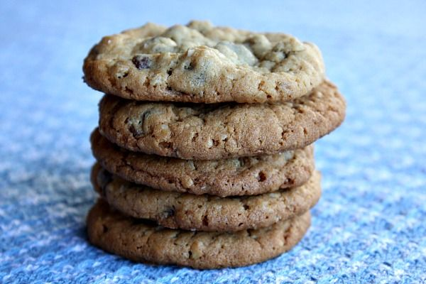 Peanut Butter Chocolate Chip Oatmeal Cookies. Yes, please. UPDATE: I ...