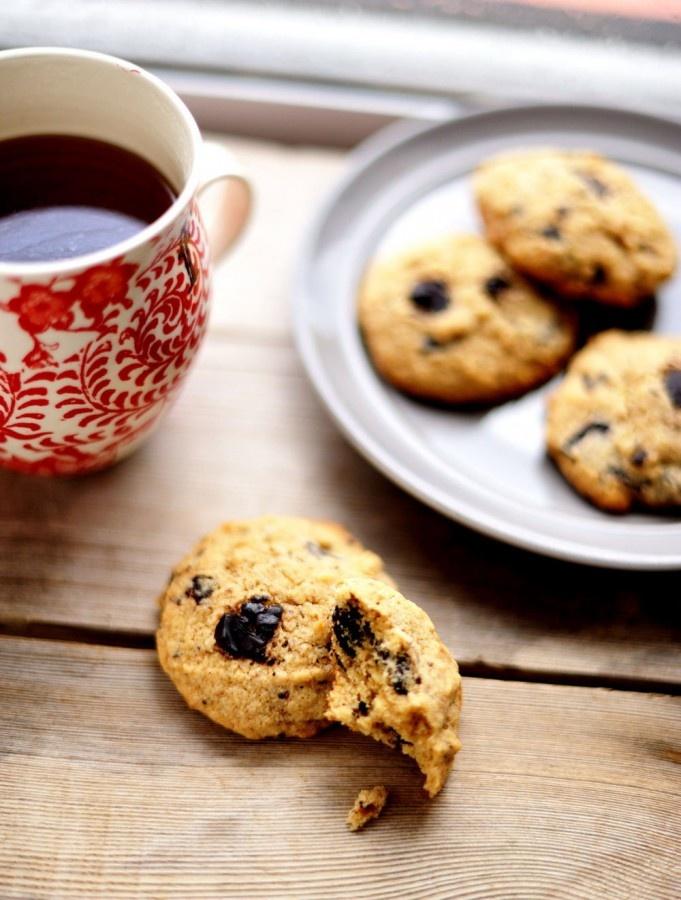 Chocolate & nut gluten-free cookies