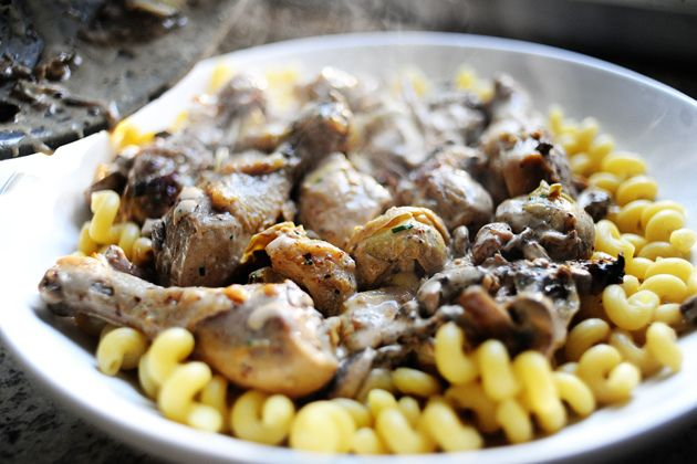 Chicken with Mushrooms and Artichokes, by the Pioneer Woman. I hate ...