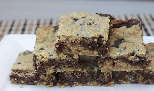 Gooey Chocolate Chip Sandwich Bars | Cooking/Food | Pinterest