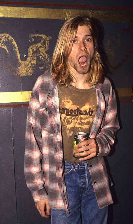Kurt cobain flannel around waist