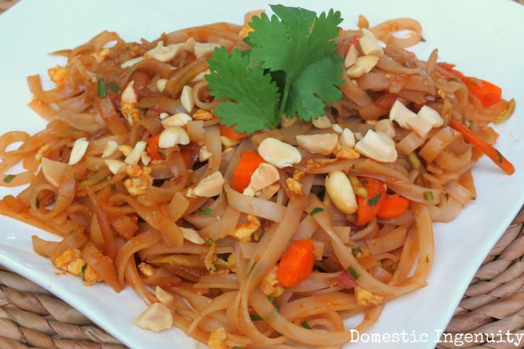 Vegetarian Pad Thai | Savory Recipes | Pinterest