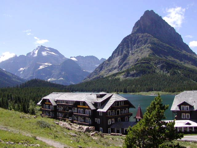Lodging accommodations in glacier national park montana for Reclusive moose cabins