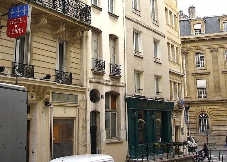 affordable hotels in Paris Heart of the Marais: Grand Hotel du Loiret