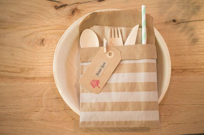 A Rustic Meets Modern Los Angeles Wedding: Lindsey + Will -- (apparently) disposable place setting that looks cute!