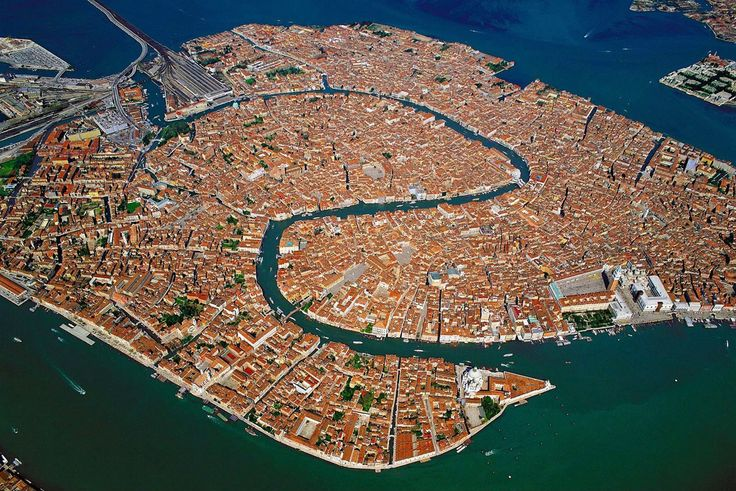 Top view of Venice | RentTheSun