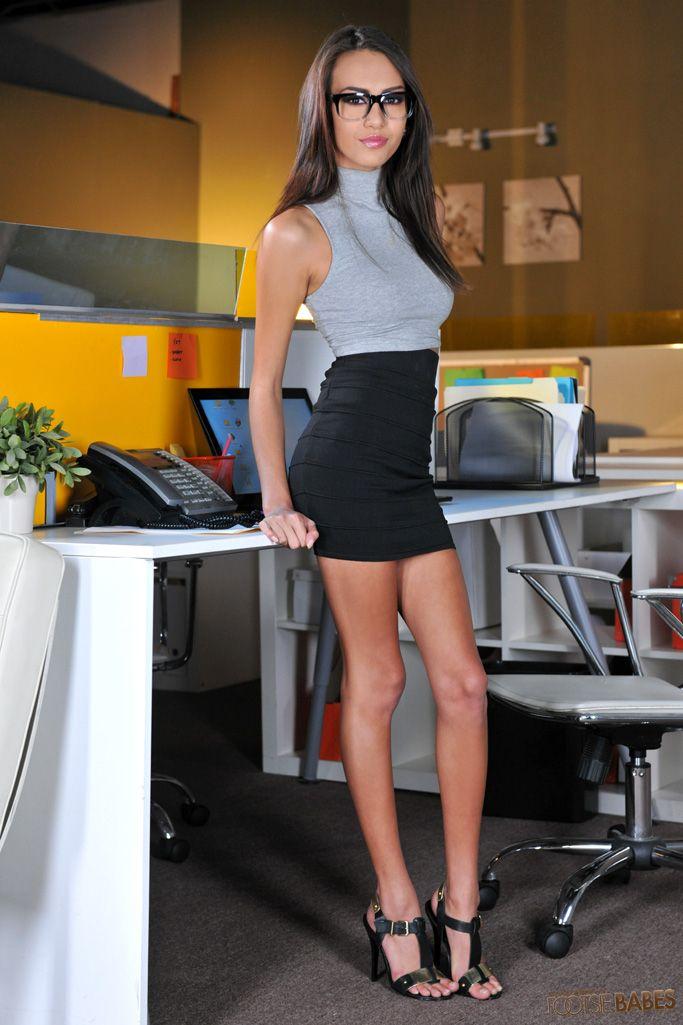 Brunette boob model Sensual Jane gets undressed at the office № 222842  скачать