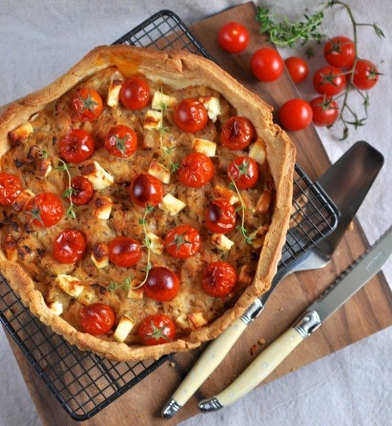 caramelized onion, tomato & feta tart | My mouth is watering... | Pin ...